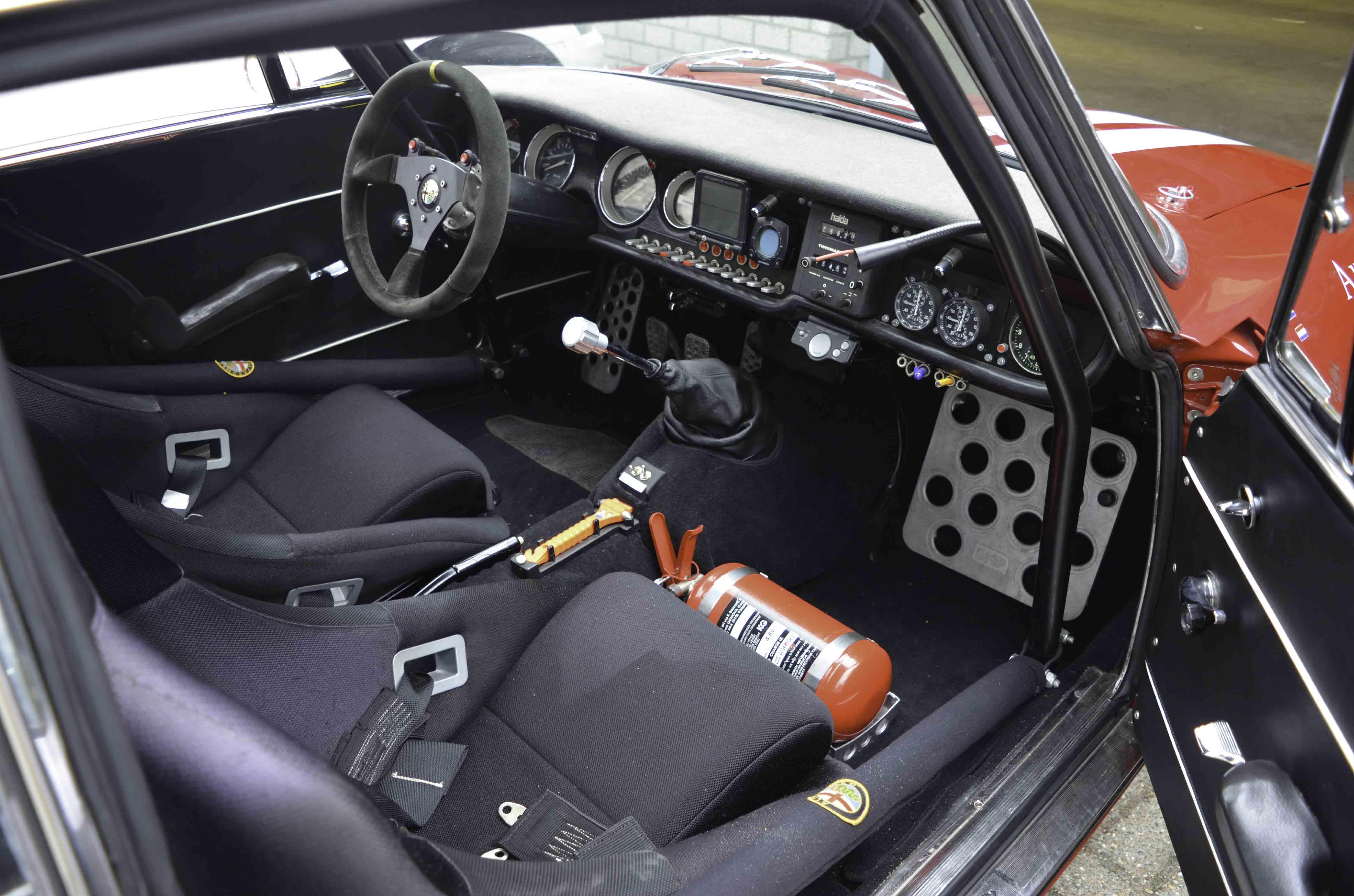 Alfa Romeo GTV – Machines with a mission (11 van 14)