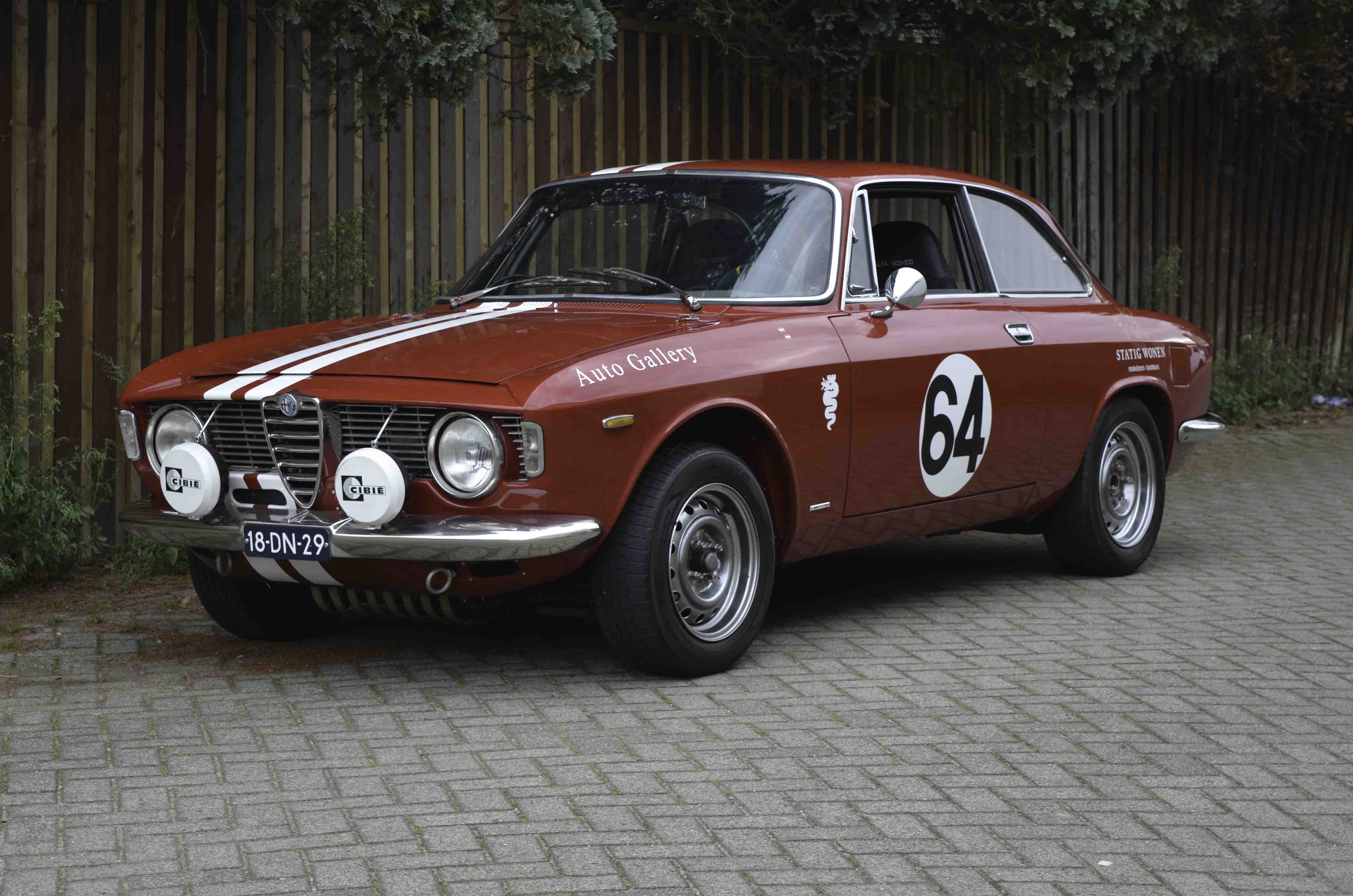 Alfa Romeo GTV – Machines with a mission (2 van 14)