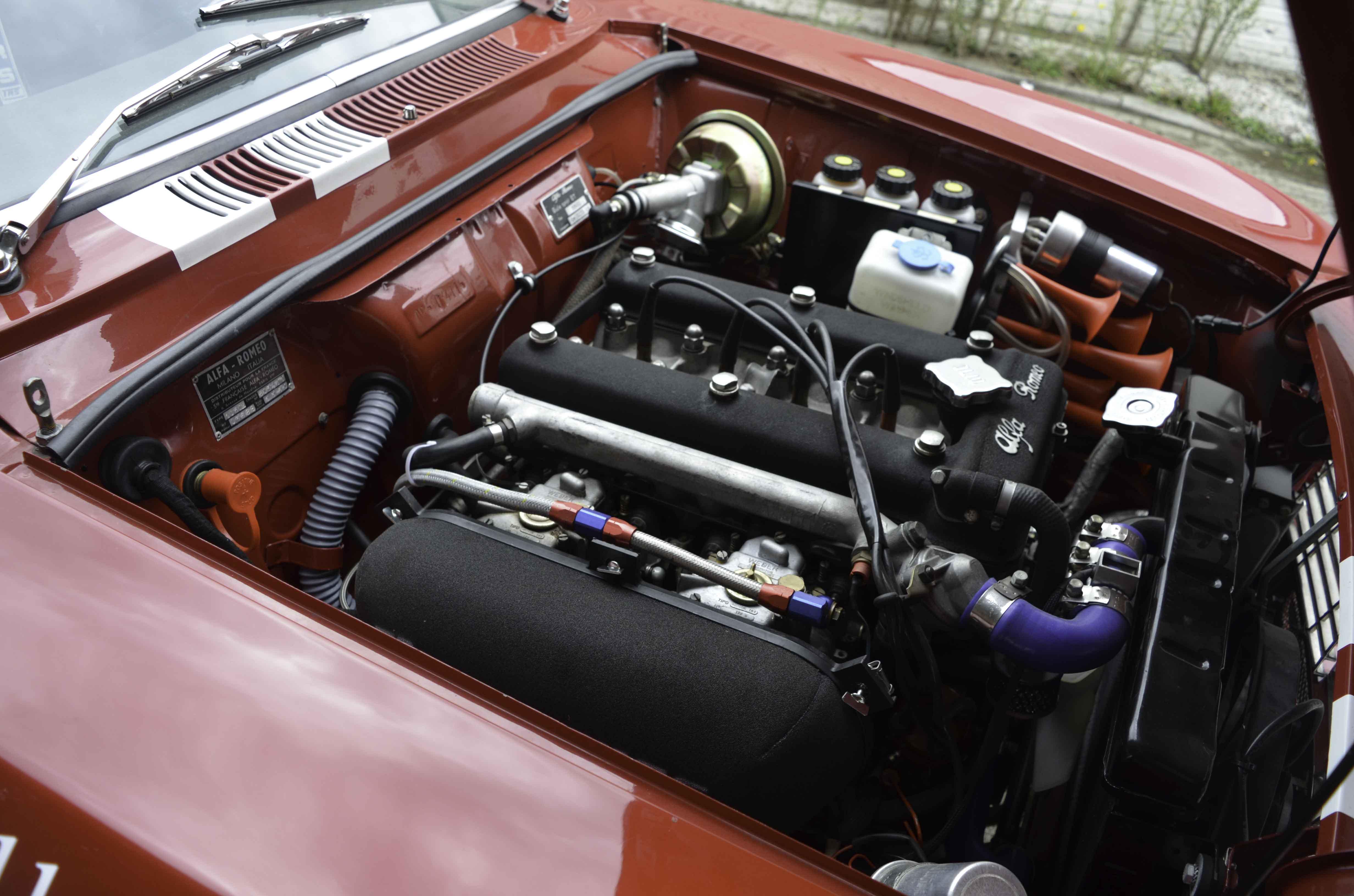 Alfa Romeo GTV – Machines with a mission (5 van 14)