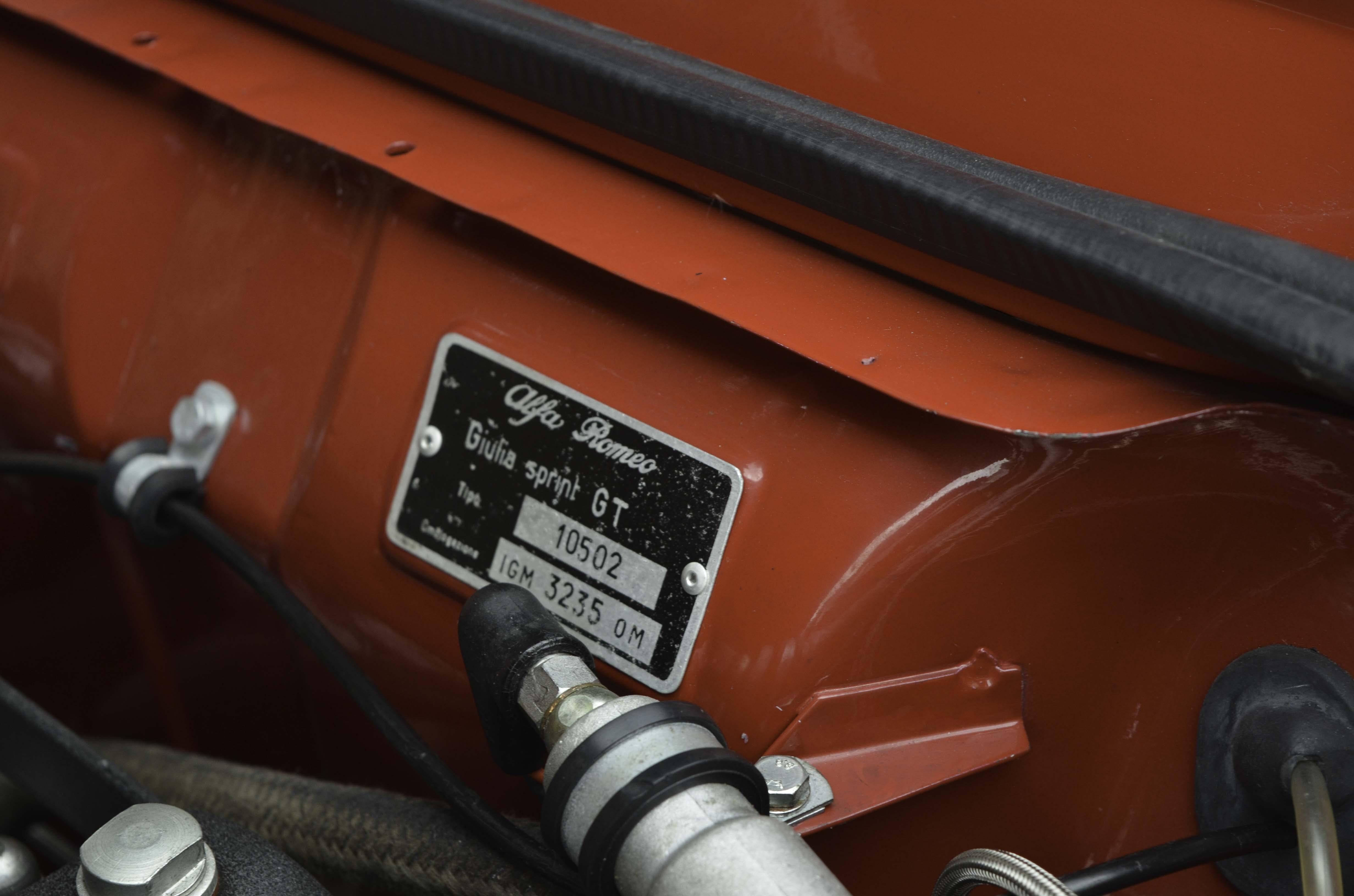 Alfa Romeo GTV – Machines with a mission (7 van 14)