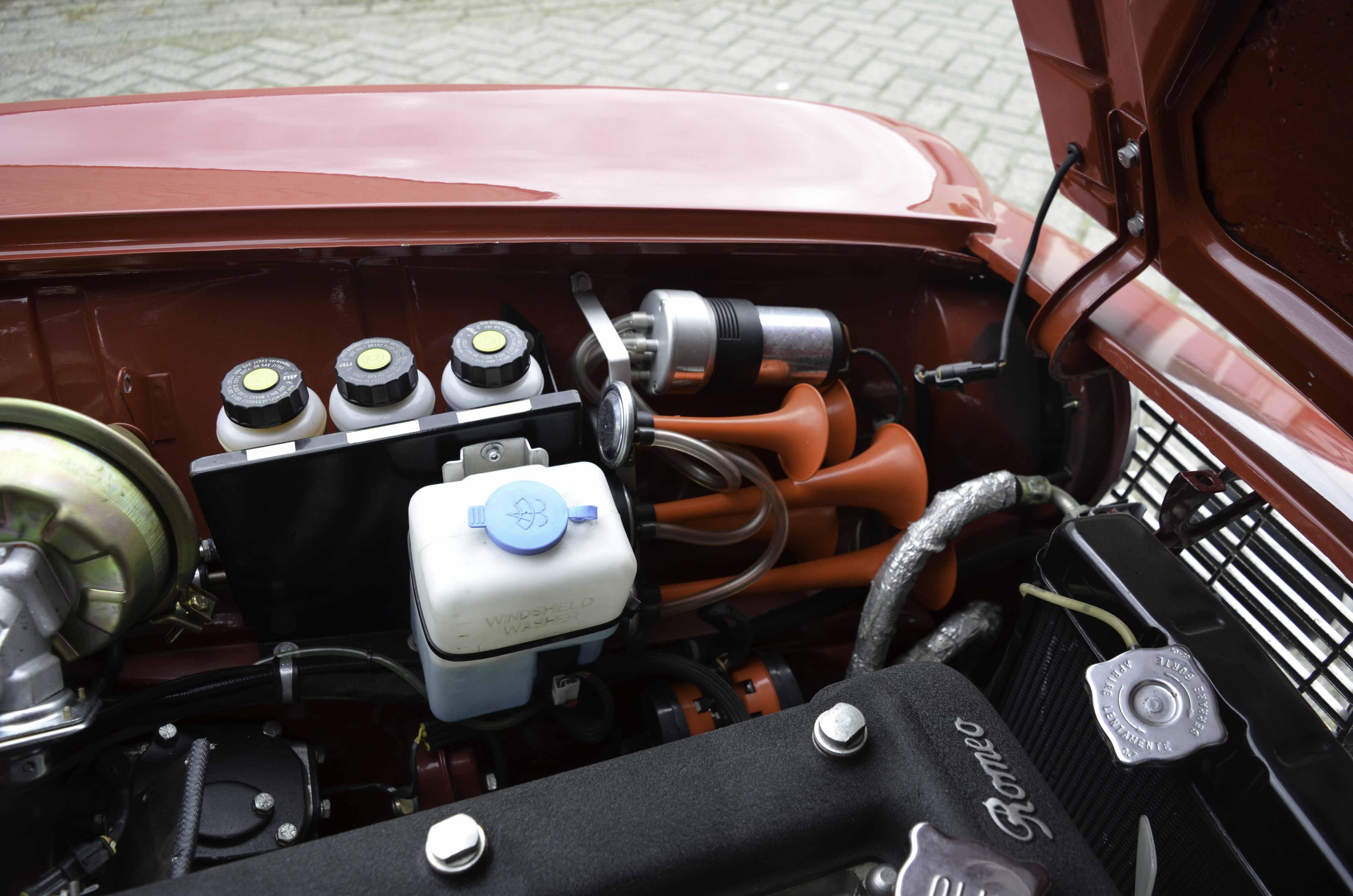 Alfa Romeo GTV – Machines with a mission (9 van 14)