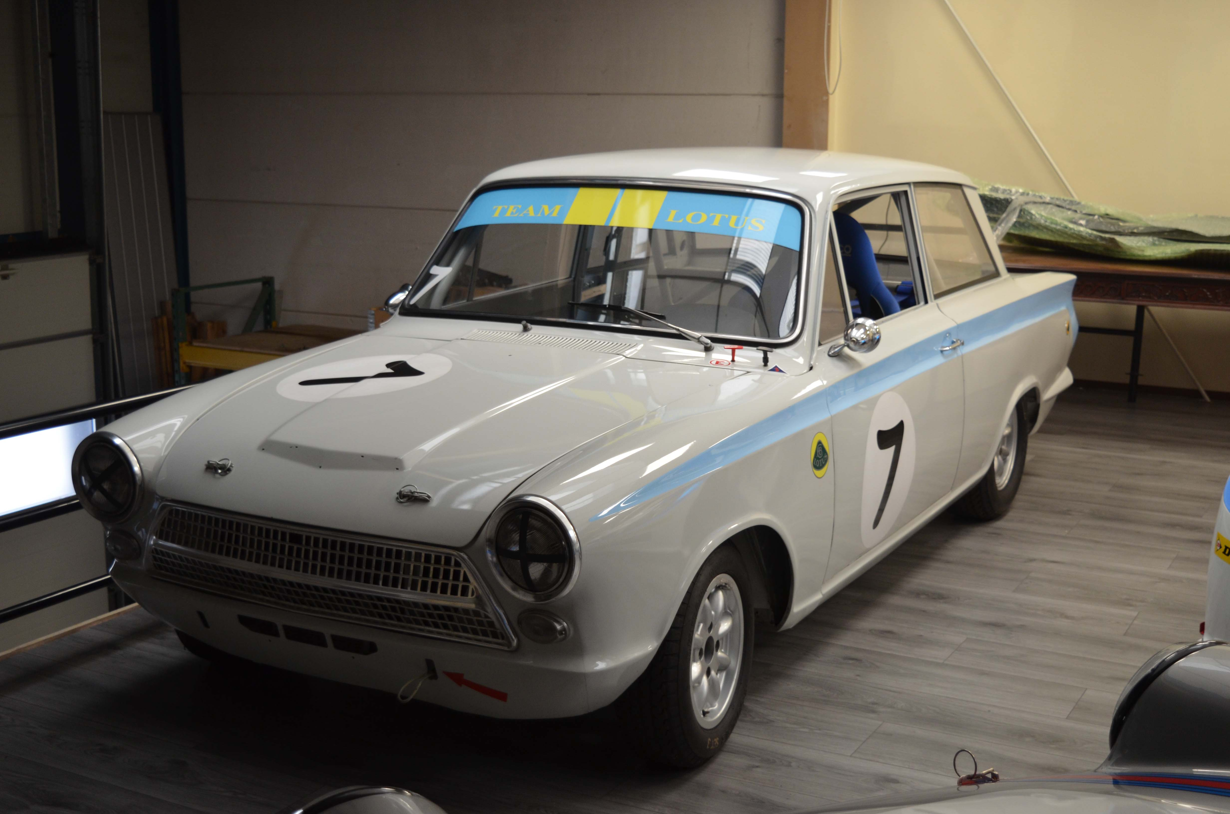 LOTUS CORTINA – FOR SALE – Machineswithamission (6 van 9)